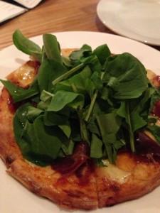 天然酵母のピザ