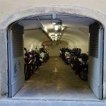 なかなか満室にならない、バイクガレージの 内見の希望の連絡が・・